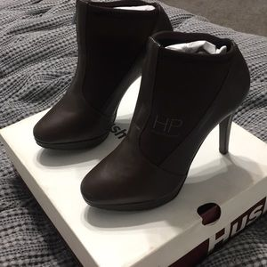 Hush puppies new in box booties